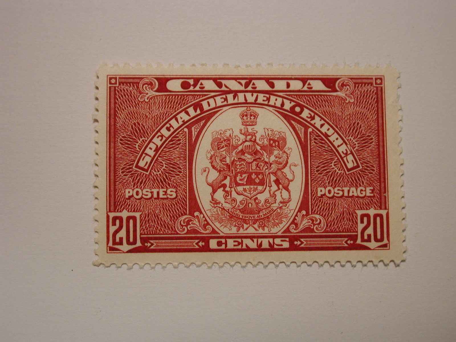 Canada Scott E8 20 Cent Special Delivery 1938 Coat Of Arms Never Hinged