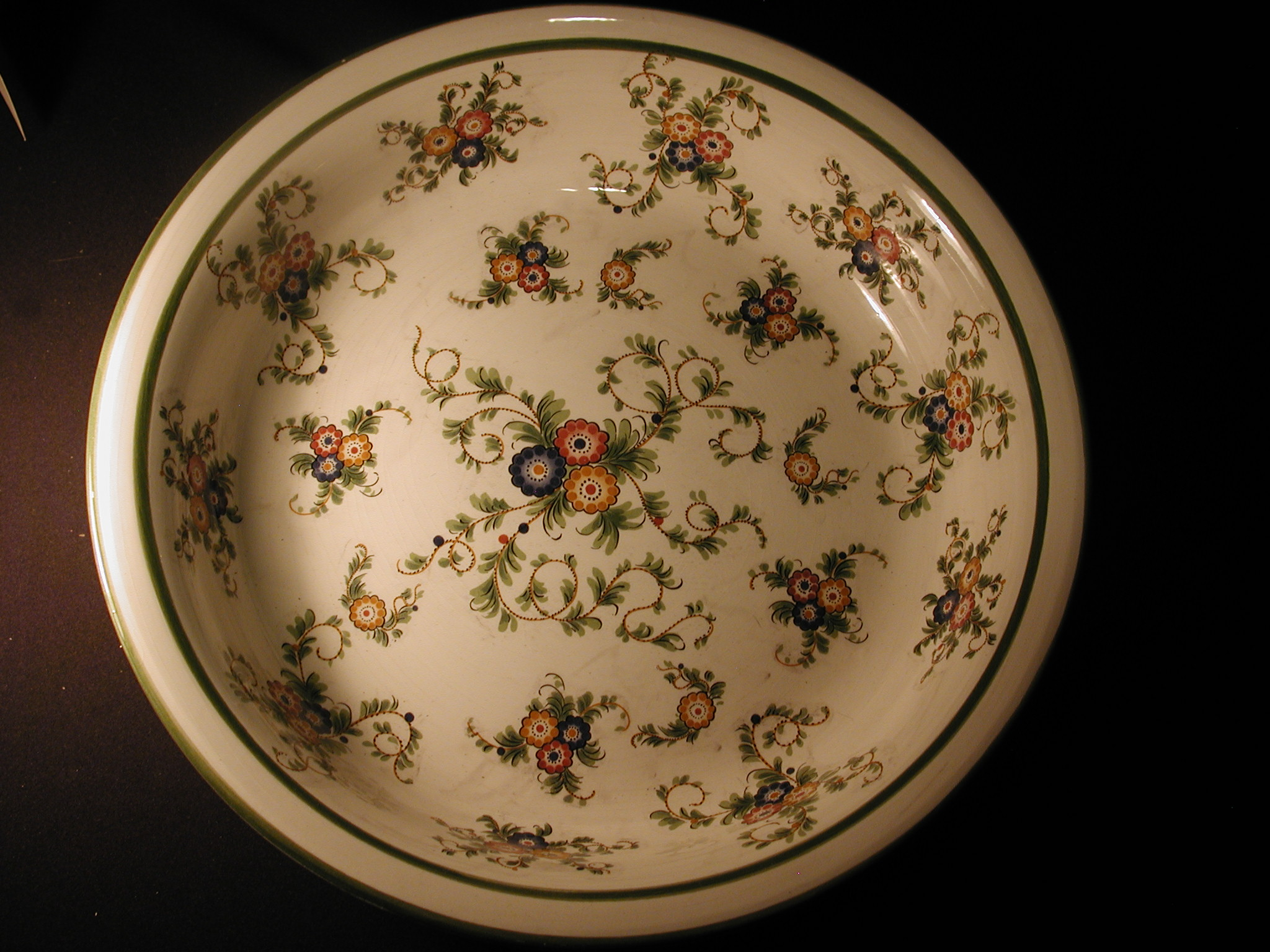 Capodimonte Pasta Bowl 14 1/2 inches white with leaf green edges floral design