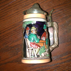 "Heidelberg Schloss Castle men relaxing crossed arrows logo 6 3/4"" high with Lid"