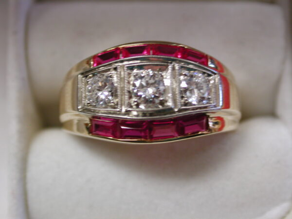 14KT two tone Diamond & Ruby bagguette vintage ring size 10