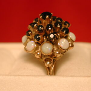14KT Vintage Garnet & Opal Flower filigree ring size 5 1/2