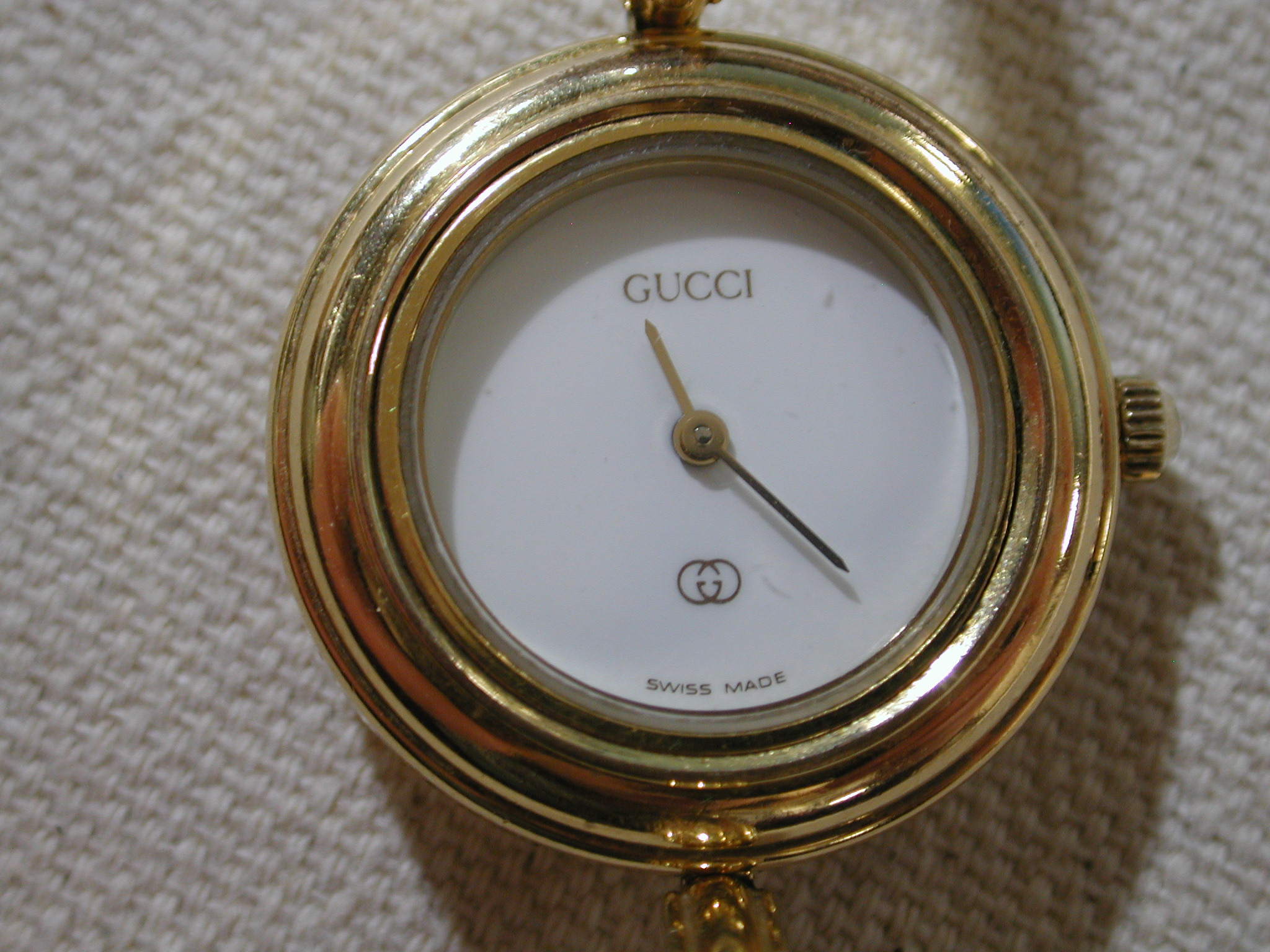 98fd6649ec3 Gucci 1100-L watch with 5 interchangeable bezels 4 - Bellport Jewelers