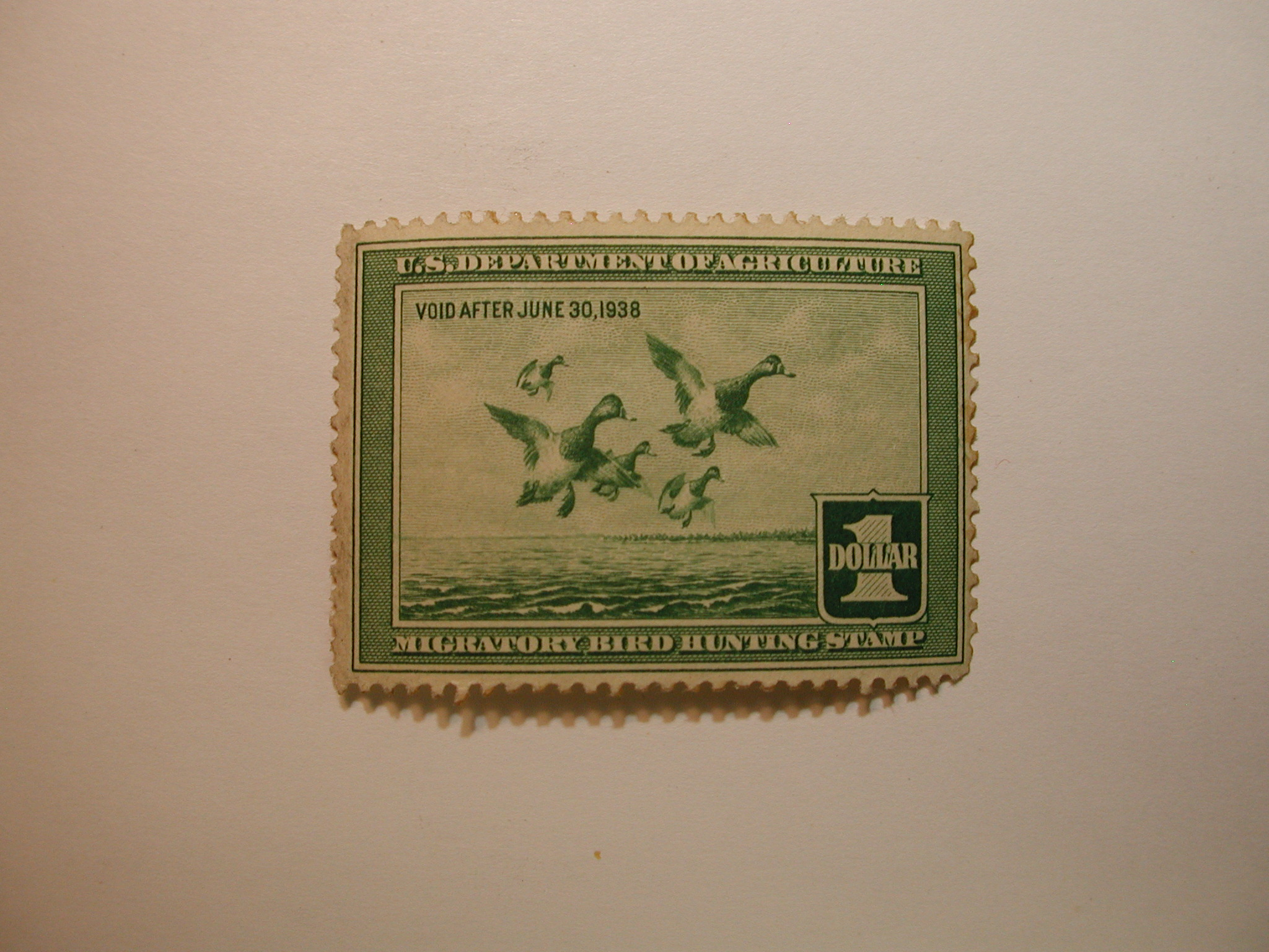 U.S. Stamp Scott #RW4 US Department of Agriculture $1 Migratory Bird Hunting Stamp Thin on Back*