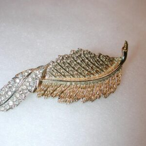 Vintage 1960s Sarah Coventry Fashion Leaf Gold Rhinestone twist Piece Brooch Pin