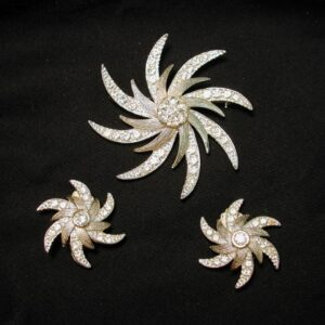 Vintage SARAH COVENTRY - Evening Comet - Brooch & Clip on Earrings Set