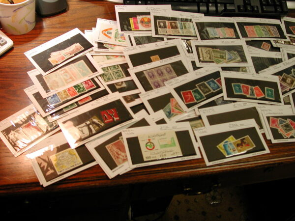 World Wide Dealer Stock Mint & Used over $700 catalogue value