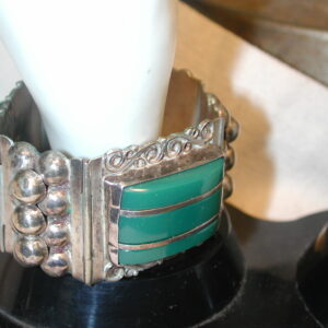 """Vintage Sterling Mexico wide hinged cuff green onyx 1 1/4 wide  7 1/4"""" long"""